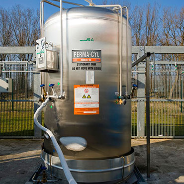 Photo of a Cryoease tank at a customer facility.
